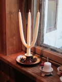 Traditional Jul Candle. The number of branches representing the number of kids in a household.