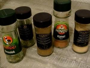 Tranlation: herb mix, tarragon, cummin, cinnamon, ginger