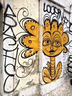 More cool graffiti.