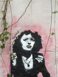 Graffiti of a famous fado singer.