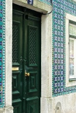 At first, only the interior of houses were tiled. Brazilians were the first to discover that tiling a house on the outside cuts down on humidity.