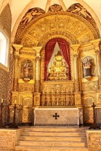 The Baroque altar. Rather plain, isn't it?