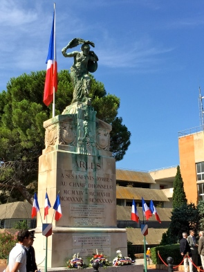 The war memorial commemorating residents of Arles who died or went missing in WWI and WWII.