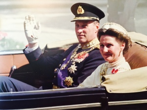 King Harald and Queen Sonja on Coronation Day, 25 years ago.