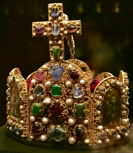 The Imperial Crown of the Holy Roman Emperor probably dates to the reign of Otto I (c. 960). The 12 stones on the front panel symbolized the 12 apostles.