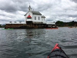 Dyna Fyr now operates as a special events venue and offers candelit dinners with the freshest of seafood.