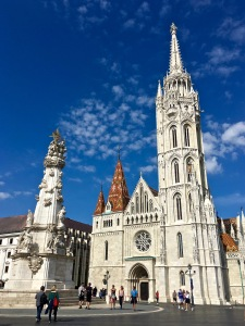 Matthias Church (Mátyás Templom) and fountain