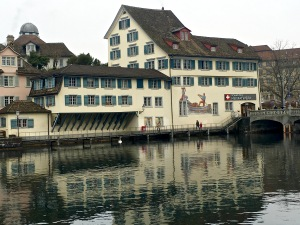 Many of Zürich's buildings have that heavy-timbered German look, with wooden beams that are used to cantilever rooms or entire wings out over the street or water.