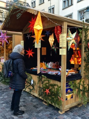 At Zürich's Christmas markets, you'll find lots of paper stars for your windows, glass ornaments for your tree, and small gifties for your stockings. Some markets focus more on hand-made artisan pieces, while others offer your usual run-of-the-mill holiday décor.