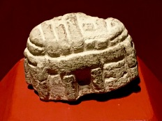 A model of a Maltese megalithic temple, found elsewhere, shows how the roof of these temples were made. The stepped walls created corbels that supported a beamed ceiling of wood, stone, thatch, or brushwood coated with clay.