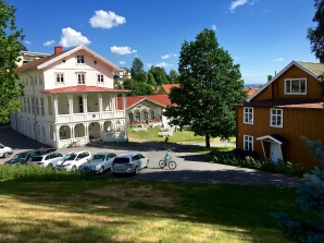 Across the parking lot from our apartment is Grefsen Folkesanatorium, originally a cold-water bathhouse turned tuberculosis sanatorium. Now the buildings house a school, daycare, and apartments. We couldn't ask for a cuter neighborhood.