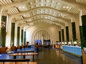 Check out the undulating interior of the main ticket hall. A matching dining hall on the opposite side of the station repeats the design theme. I think most folks would find it hard to believe this modernist space dates to 1914.